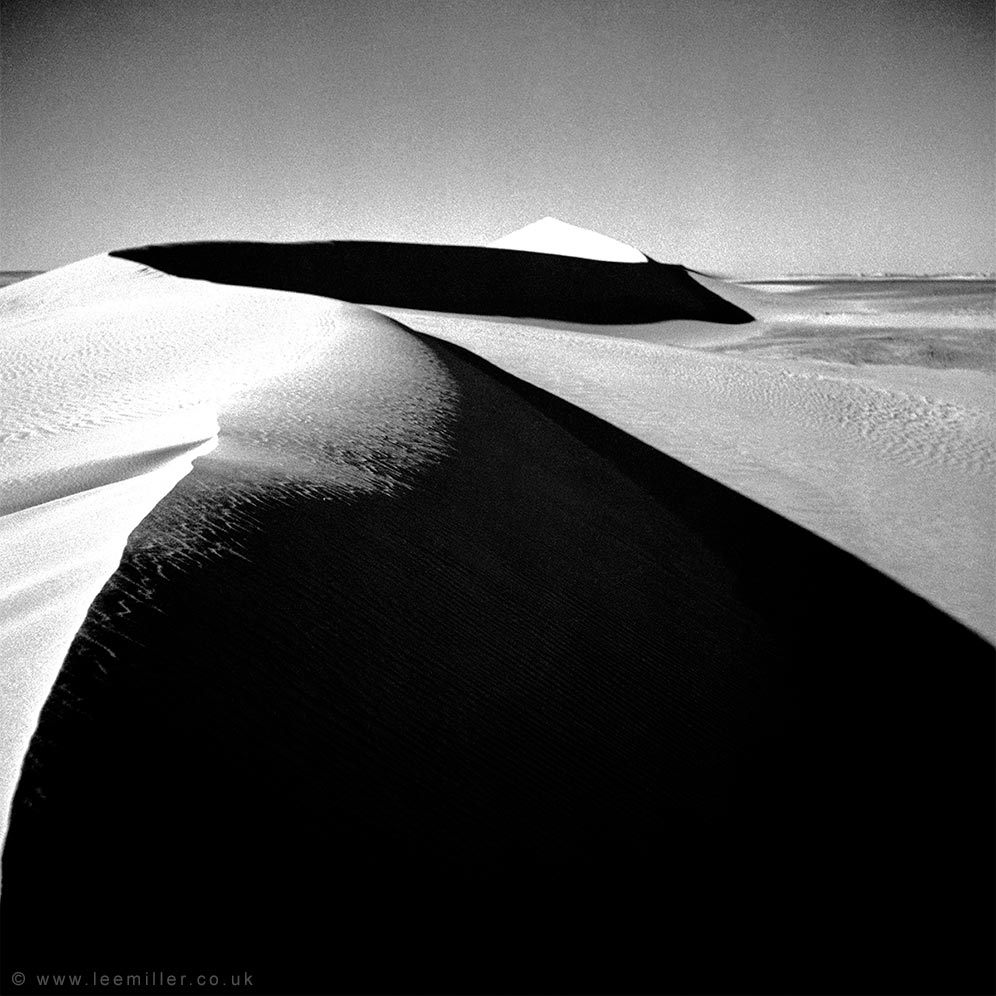 Photograph of sand dunes in Egypt taken by Lee Miller in 1936